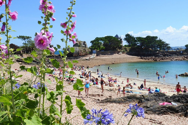 Photo plage du guerzido, prestation Traversée directe Île de Bréhat, Compagnie Sur Mer Bréhat